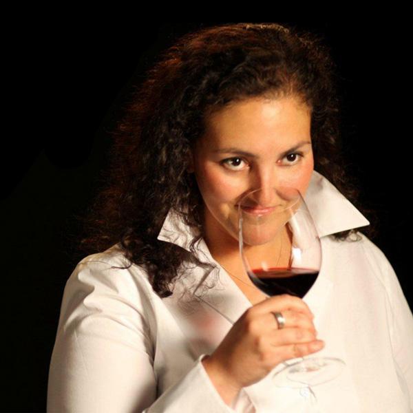 Elizabeth Vianna, Chimney Rock Winery